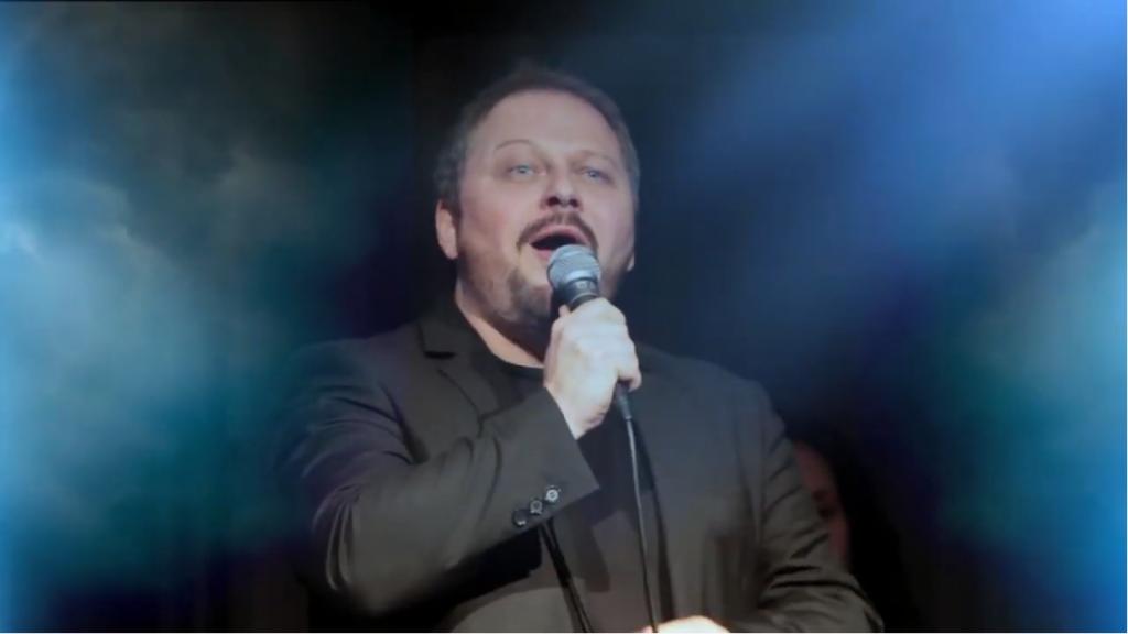 Randal Keith singing
